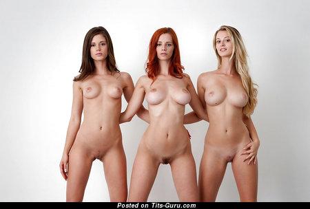 Фото голых девушек становится
