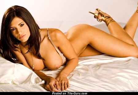 Image. Hope Dworaczyk - naked brunette with big boobies image