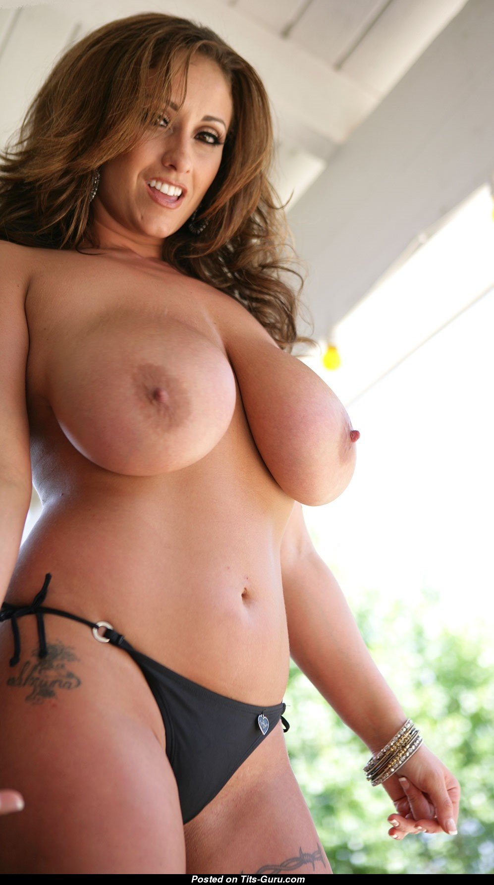 Eva Knotty Nude
