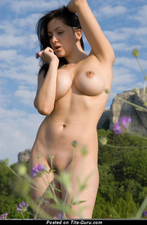 Image. Mira - naked brunette with big tittys photo