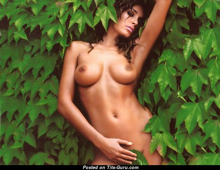 Alena Seredova - The Nicest Czech Red Hair Babe with The Nicest Nude Natural Average Busts (18+ Foto)