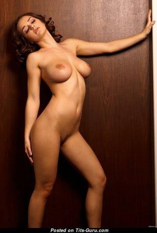 Hot Glamour Unclothed Brunette (Hd 18+ Wallpaper)