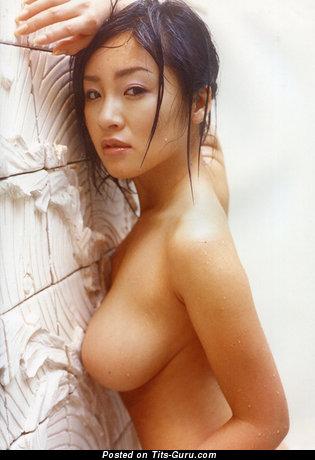 Megumi Kagurazaka - фотка офигенной обнажённой азиатки с большими сиськами