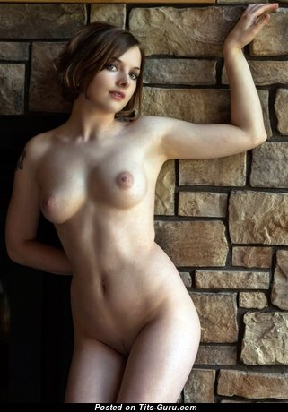 Кен Адамс - Superb Brunette with Superb Exposed Natural Firm Knockers (Sex Image)