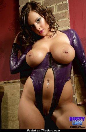 Hot Topless Bimbo (Xxx Image)