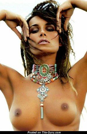 Alena Seredova - naked brunette with medium tittes photo