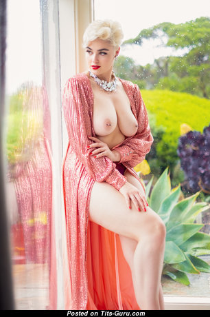 Stefania Ferrario - Pleasing Topless Red Hair (Hd Sexual Picture)