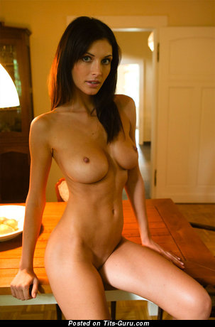 Image. Nude awesome lady with medium breast image