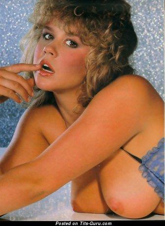 Изображение. Linda Blair - картинка шикарной обнажённой блондинки с средними натуральными сиськами