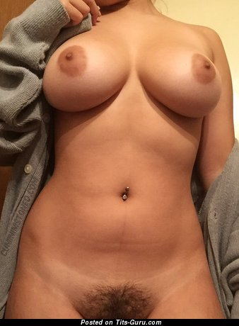 Nice Babe with Nice Nude Natural Soft Titties (Hd Xxx Picture)