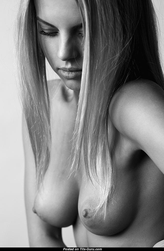 красивые женские сиськи профессиональное фото