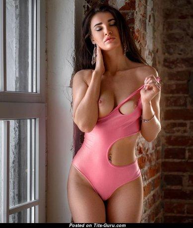 Elegant Glamour & Topless Brunette with Elegant Open Natural Medium Boobie & Big Nipples (Porn Image)