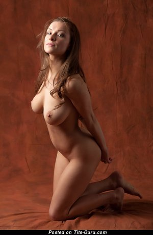 Image. Daisy - naked brunette with big natural tittes photo