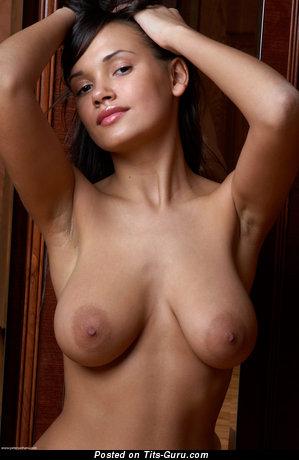 Alona - Adorable Ukrainian Girl with Adorable Open Natural Regular Chest (Hd Xxx Pix)