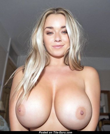 Pleasing Naked Blonde (Hd Sexual Pic)