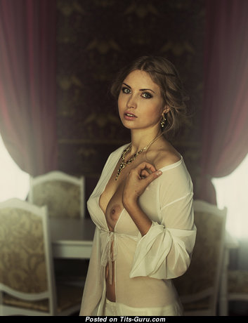 Алёна Цикава - Beautiful Babe with Beautiful Nude Real Mid Size Melons & Large Nipples (Sex Foto)