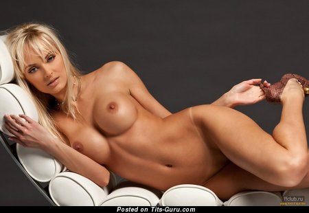 Marvelous Blonde with Marvelous Nude Fake Mid Size Boobies & Tan Lines in High Heels (Xxx Foto)