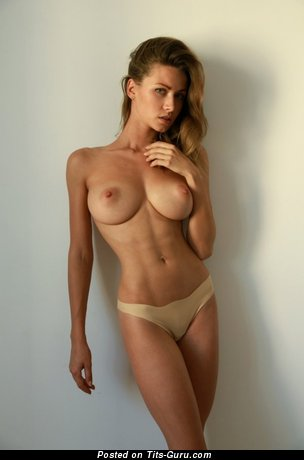 Nude nice lady with big tittys photo