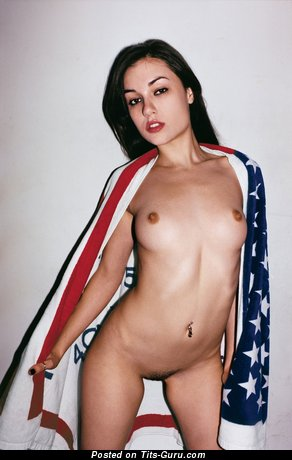 Graceful Unclothed Brunette Babe (Hd 18+ Pic)