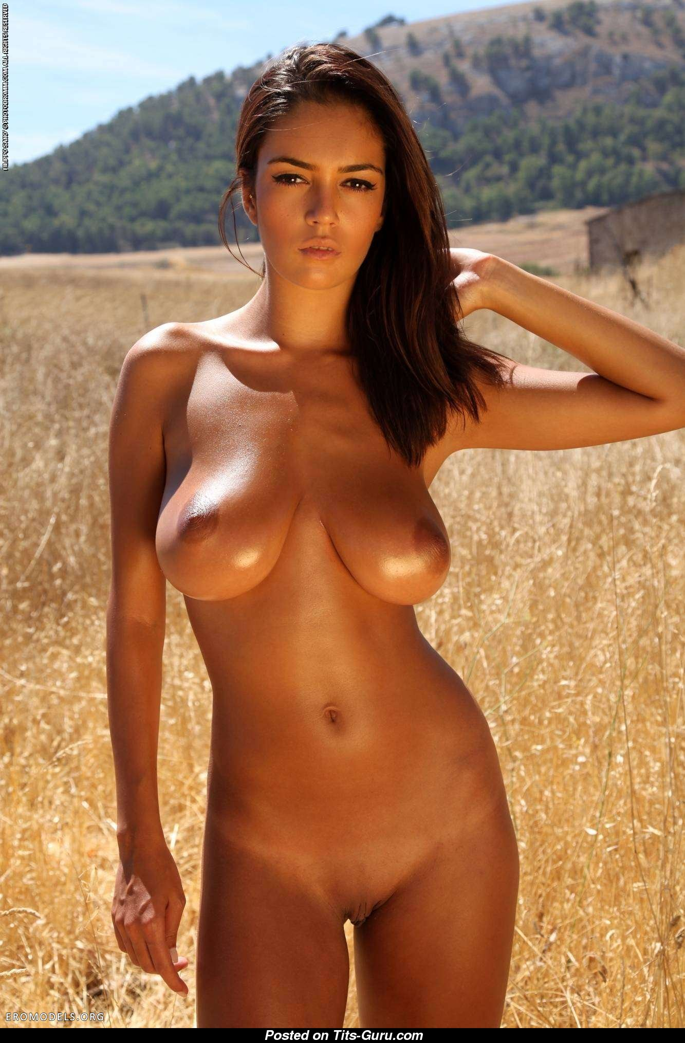 Ela savanas nude body in mind you head