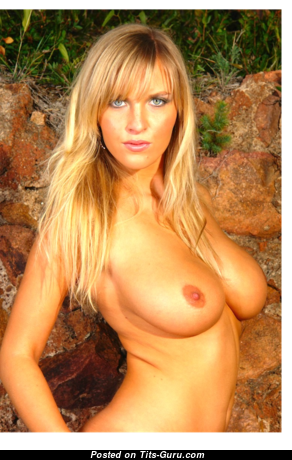 Chikita (marketa Pechová - Appealing Topless & Glamour Blonde with Puffy Nipples (Xxx Pix)