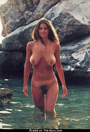 Jagoda Simic - nude nice girl with big natural tittes pic