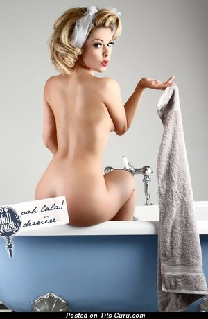 Gorgeous Blonde with Beautiful Naked Real Hooters (Hd Xxx Foto)
