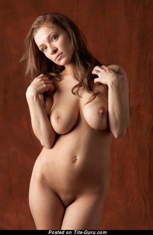 Image. Daisy Van Heyden - naked beautiful girl with medium natural boobies pic