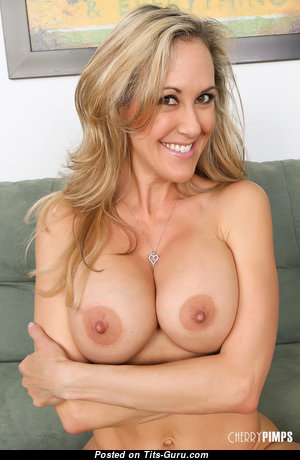 Brandi Love - Beautiful Topless American Blonde Babe, Pornstar, Actress, Housewife, Wife & Mom with Beautiful Defenseless Regular Tots & Big Nipples (Hd Sexual Wallpaper)
