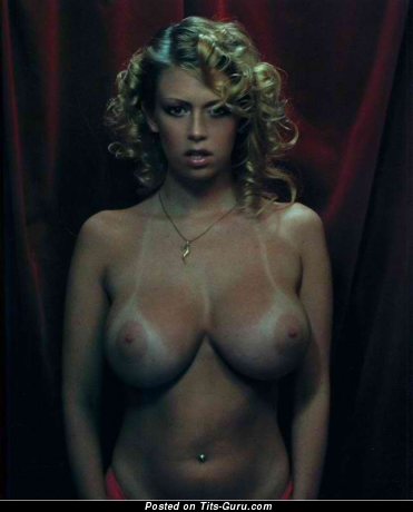Jenna Jameson - sexy nude blonde with medium boobies image