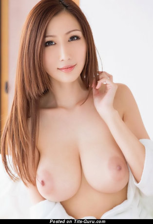 Julia Boin - Hot Japanese Brunette Babe with Lovely Naked Natural Big Boobie (18+ Foto)
