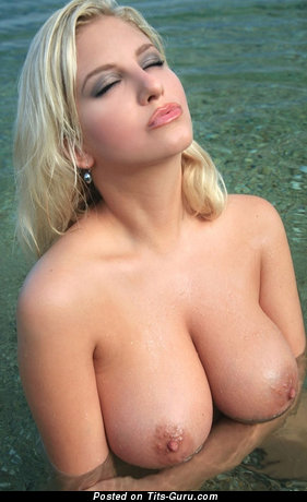 Image. Nude amazing lady with big natural tittes picture