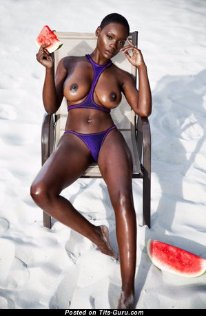 Image. Ebony with big natural tittes picture