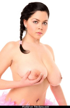 Fascinating Lady with Fascinating Bare Real Extensive Tittys (Hd Sexual Photo)