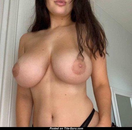 Elegant Babe with Elegant Naked Dd Size Boob (Porn Photo)