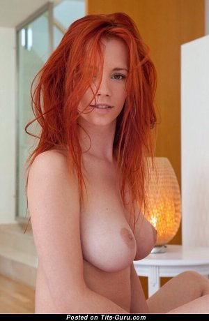 Redhead - Delightful Floozy with Delightful Defenseless Real Great Hooters (18+ Foto)