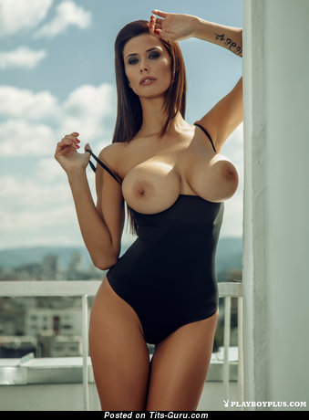 Image. Bilyana Evgenieva - sexy nude brunette with medium boob picture