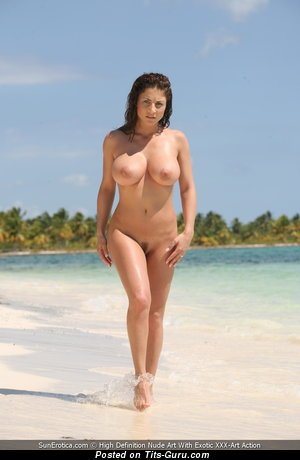 Roberta Missoni - sexy topless amazing woman with medium tits picture