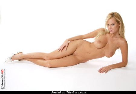 Image. Zuzana Drabinova - naked amazing lady with natural boob photo