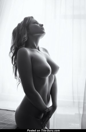 Marvelous Babe with Marvelous Exposed Real C Size Breasts (Sex Foto)
