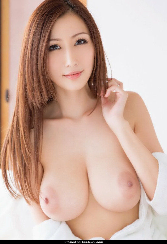 Julia Boin - Asian Brunette Babe With Open Natural Big -4129