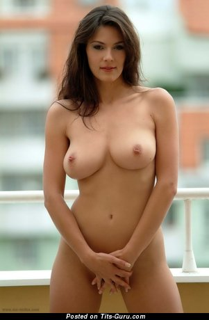 Good-Looking Lady with Good-Looking Defenseless Natural Ddd Size Tittes (Sex Foto)