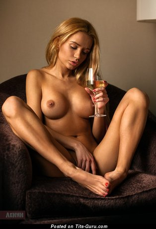 Lovely Blonde Babe with Lovely Bald Small Jugs (Sexual Pic)