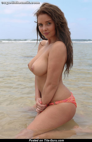 Elegant Babe with Elegant Open Normal Chest (Hd Sexual Photo)