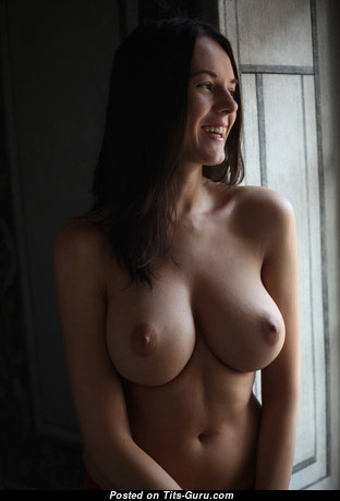 Perfect Babe with Perfect Defenseless Natural Average Boobie (Hd Porn Photo)