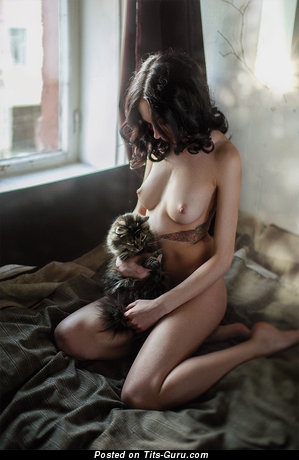 Image. Naked hot lady with medium natural boob picture