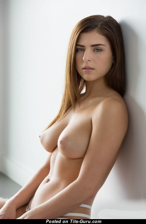 Amazing Babe with Amazing Defenseless Natural Medium Sized Boobies (Amateur Hd Sexual Pic)