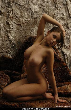 Katia Galitsin: развратница (Россия) с умопомрачительным обнажённым натуральным средним бюстом (hd ххх фото)