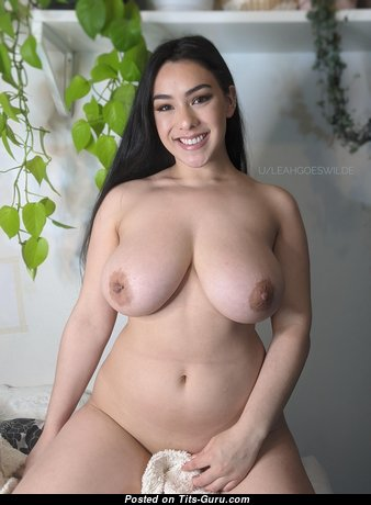 Marvelous Glamour Babe with Marvelous Naked Natural Boobs & Inverted Nipples (Private Hd Sex Wallpaper)