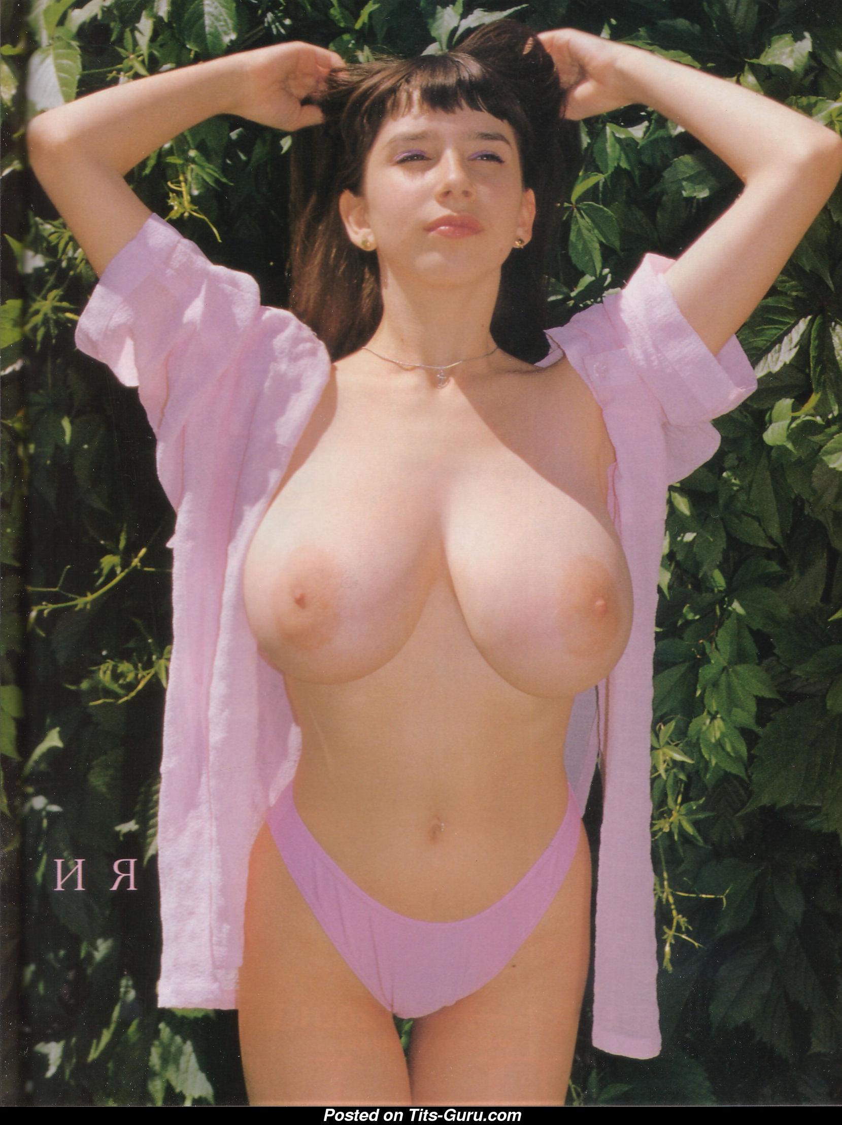 Yulia nova tits